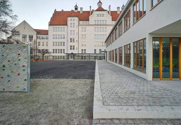 seite-16-aus-gs-agilolfingerplatz-2016